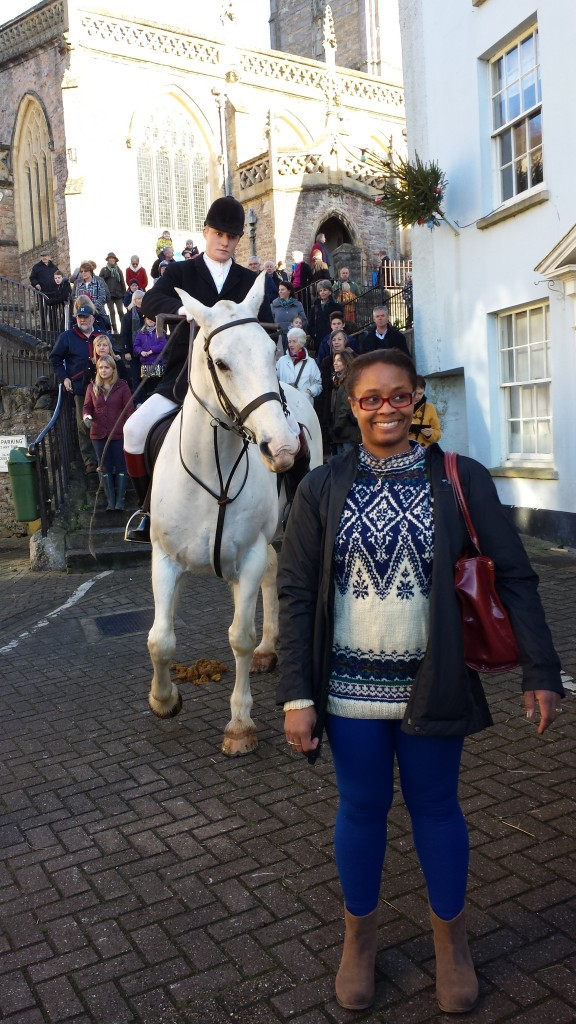 I went to take a picture by the horse, maybe my bright blue leggings scared him because he became agitated and I was kinda scared to look behind me, hence the side eye.