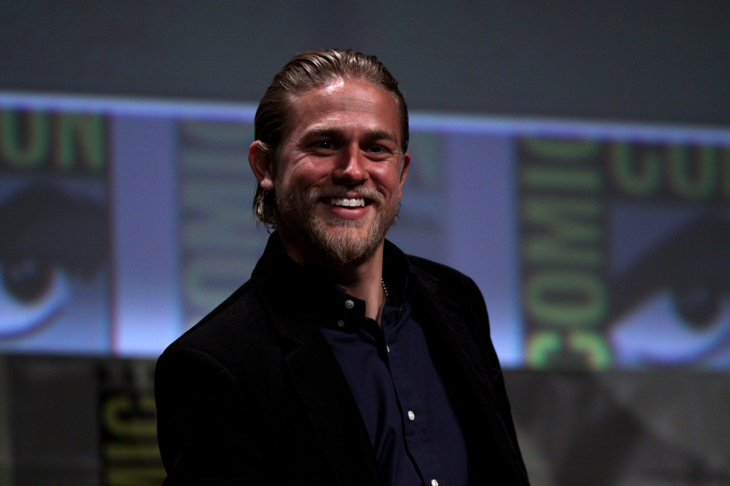 Charlie Hunnam at Comicon. By Gage Skidmore.